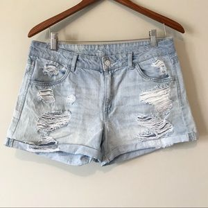 2/$30 H&M high rise light wash distressed shorts